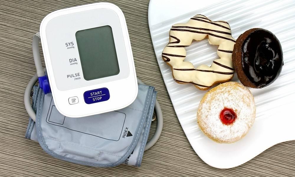 درمان فشار خون با کاهش مصرف قند و شیرینی