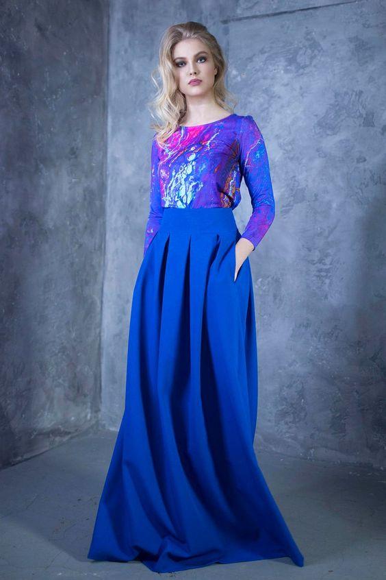 مدل لباس مجلسی بلند پارچه آبی درباری