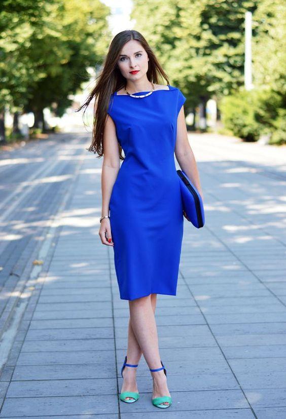 مدل لباس مجلسی کوتاه پارچه آبی درباری